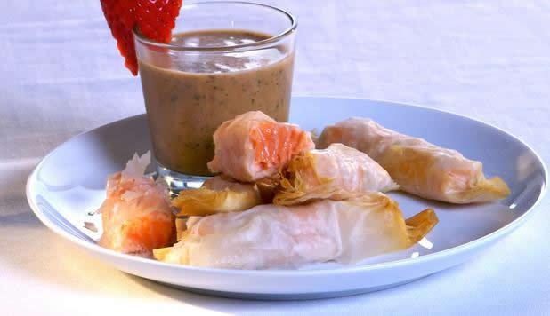 Caramelle-di-Salmone-in-pasta-fillo-con-salsa-alle-fragole_large