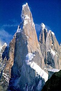 cerro_torre_1987_wikipedia